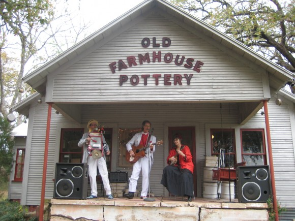 November 19 & 20 – Old Farmhouse Pottery Open House