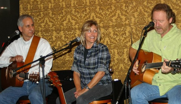 Songwriters in the Round – KE Cellars